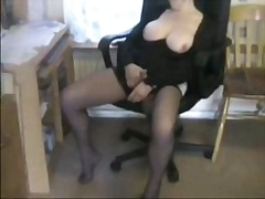 Mature masturbating... from Xhamster