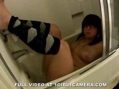 Amateur Girl Cums in H... from Xhamster