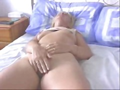 Amateur Wife Orgasms R... from Xhamster