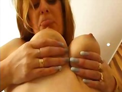 Mommy loves to masturbate from Xhamster