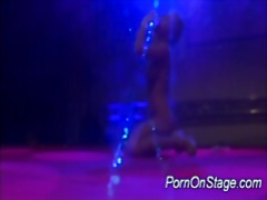 Porn on stage stripper... from Xhamster