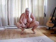 BBW carole touch her p... from Xhamster