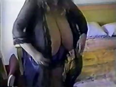 Mature bbw with huge t...
