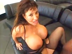 Ava Devine gets busy w...