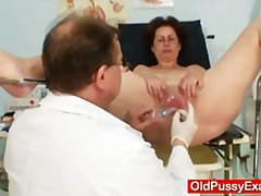 Old Ivana mature pussy...