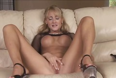 Hot Blonde Milf Jerily...