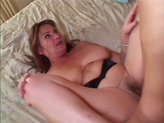 MILF in heat gets her ...
