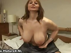 Horny mature wife in s... from Tube8