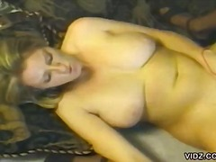 Two gals trust their b...