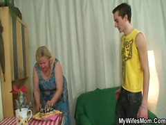 Yobt TV - Wife finds her man fuc...