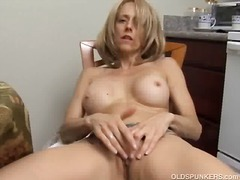 Sexy milf rubbing her ...