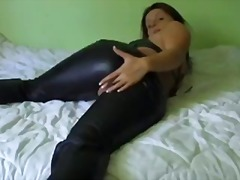 Hot Babe in Leather Pa...