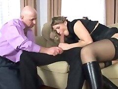 H2porn - Guy and girl share cock