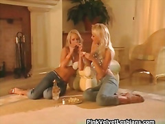Super hot blond lesbia... from H2porn