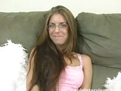 Teen in pink panties b... from Yobt