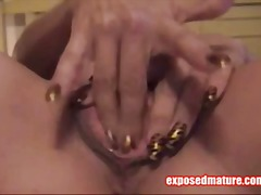 Masturbating MILF On Cam