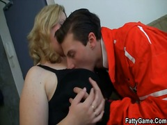 Yobt TV - He easily seduces larg...