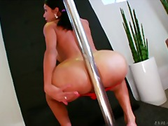 Slutty tranny dances a...