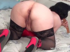 DrTuber - Mature hoe licking a d...