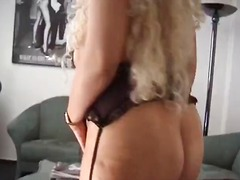 Mature chubby blonde p... from DrTuber