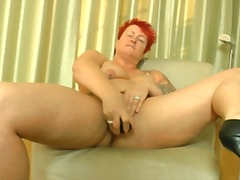 Mature fat women mastu... from Xhamster