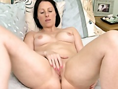 Mommy touching her pussy from Xhamster