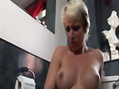 British blonde milf po...