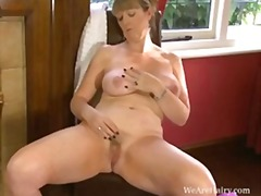 Keez Movies - Sophie uk in the red room