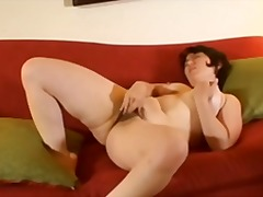 Hot 'n horny plumper bate from Xhamster