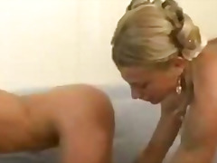 H2porn - Two hot girls on couch