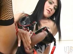 Tranny in latex linger...
