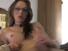 Tranny in spectacles s... from aShemaleTube
