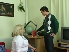 Keez Movies - Huge granny swallows h...