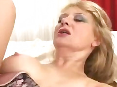 Milf goldie goes into ... from H2porn
