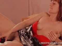Redhead mature babe us... from DrTuber