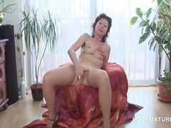 Mature aroused babe de... from DrTuber