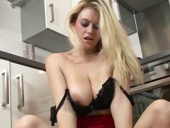 Blonde brook decides t...