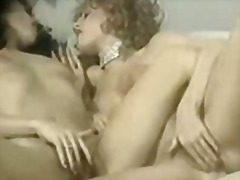 Two sexy curly lesbians
