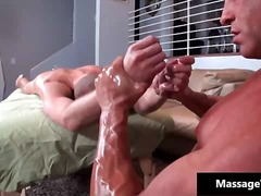 BoyFriendTV - Muscled gay hunk gets ...