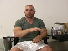 BoyFriendTV - Solo body builder play...