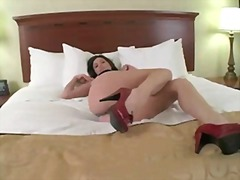 Ass jiggling jerk off ...