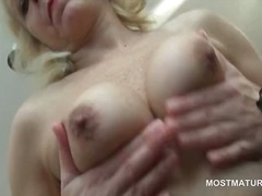Mature stunner in ling... from DrTuber