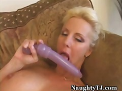 Tube8 - Loving her mature pussy