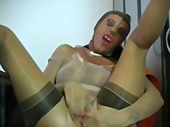 Sexy woman encased in ... from Xhamster