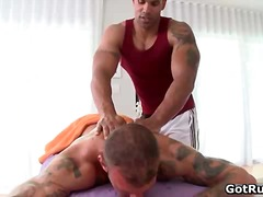 Muscled tattooed gay h...