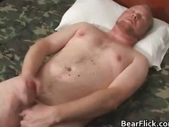 Gay bear horny for an ... from BoyFriendTV