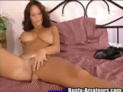 Petting the pussy with... from Xhamster