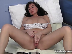 Young looking milfplay... from Vporn