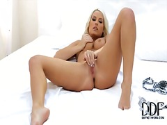 Amzing blonde babe wit... from PornHub