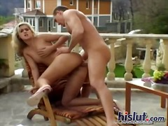 PornoXO - Katy fucks outdoors